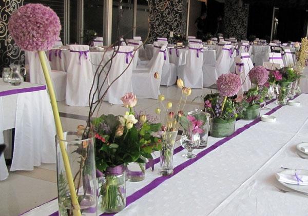 dekoracija mladenackog stola