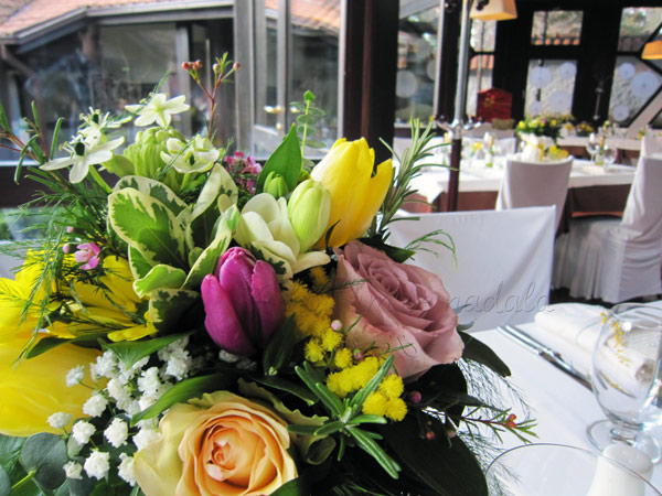 dekoracija vencanja cvetni aranzmani