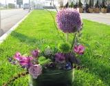cvetna-dekoracija-za-mladenacki-sto