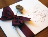 pozivnica-za-vencanje-bordo-traka